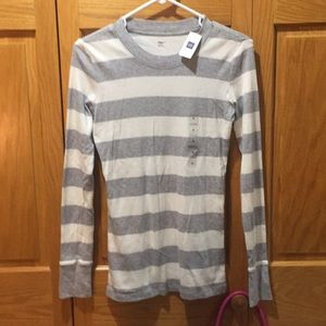 New Gap gray and white pullover